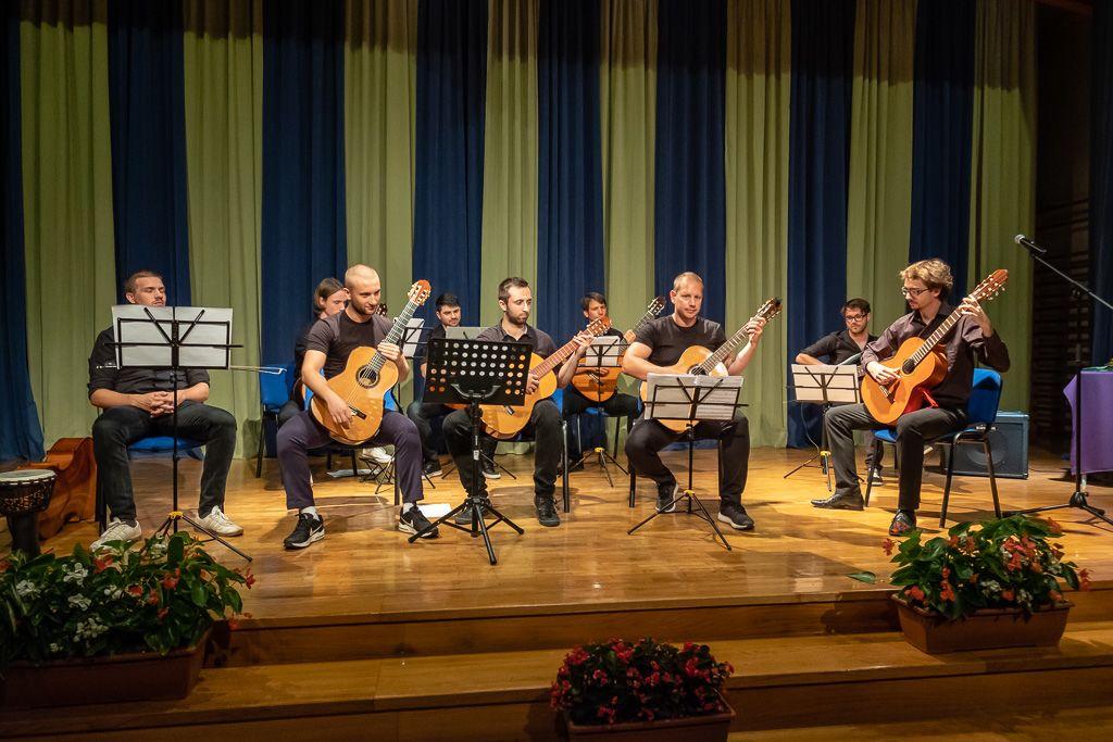 Kitarski orkester Kodeljčanke