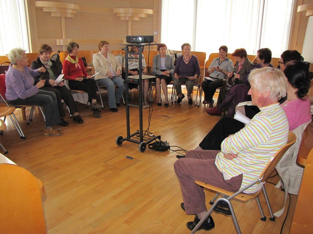 Bralna skupina Univerze za starejše na RIC-u Novo mesto