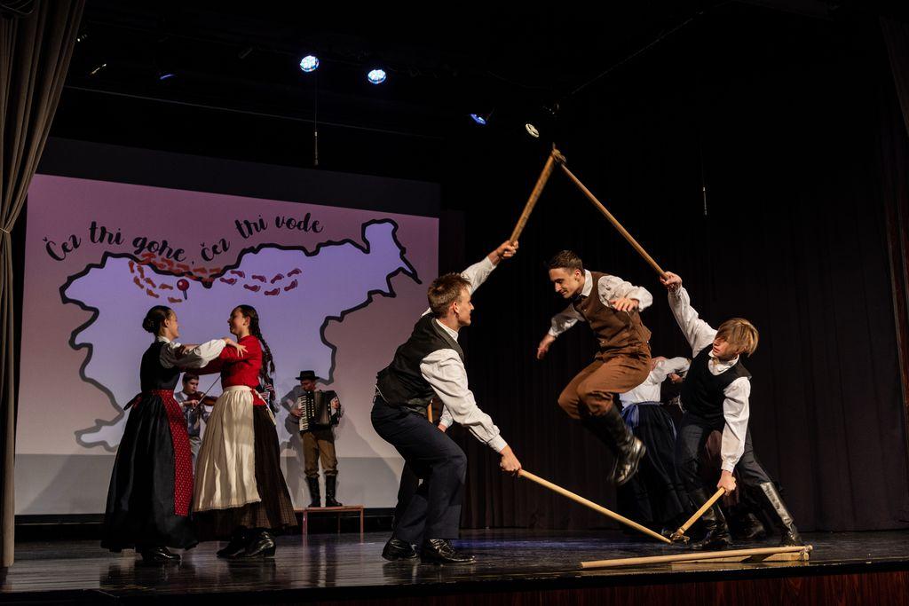 Štajerski plesi; KUD Študent, Maribor (foto: Sergej Radosavac)