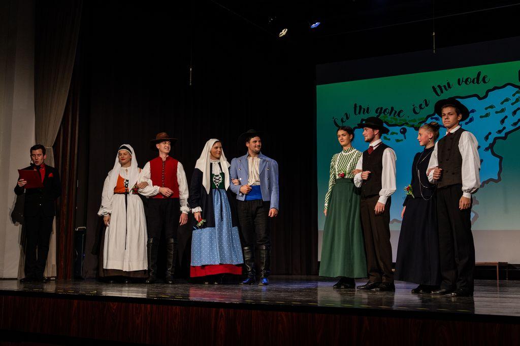 Dolenjski kostumi; FD Kres, Novo mesto (foto: Sergej Radosavac)