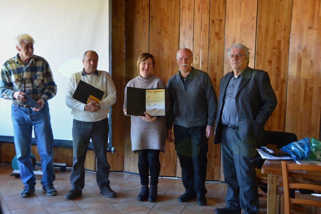 Na občnem zboru so zaslužni člani prejeli priznanja Antona Janše; foto: Ivan Križnič