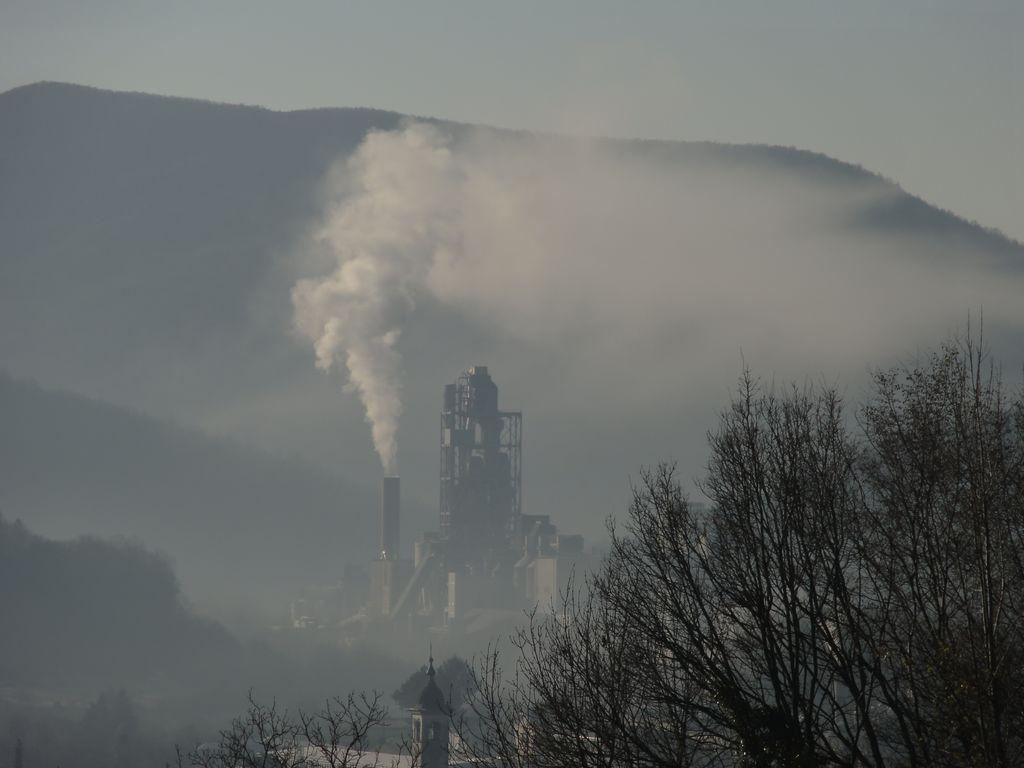 Ali je res zrak v Kanalu ob Soči  primerljiv z zrakom v Bovcu in Bohinju? (Vir Naš list, 31. št.), foto: Ivan Križnič