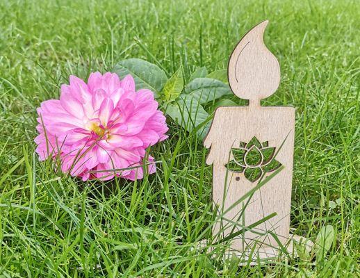 Pobuda Vrtca Bled - namesto sveč nesimo na grob poslikan kamenček