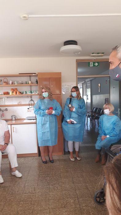 Obisk ministra za delo, družino, socialne zadeve in enake možnosti v Domu upokojencev Sevnica