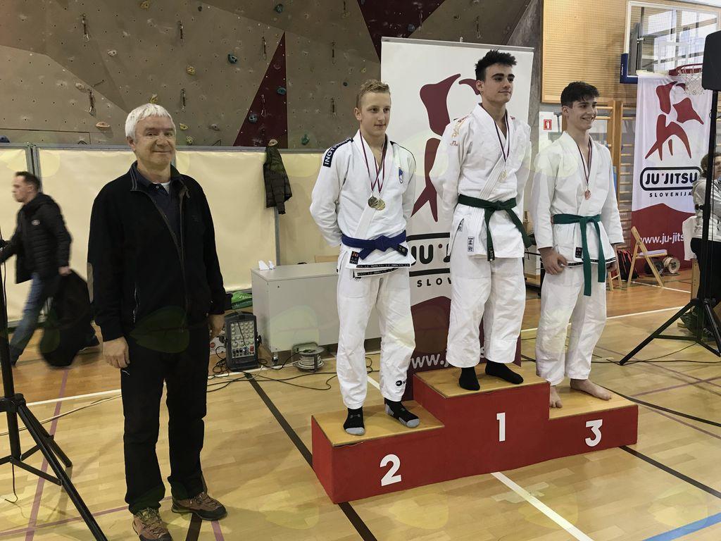 Žan ŠKODA kadetski državni prvak ju-jitsu borbe