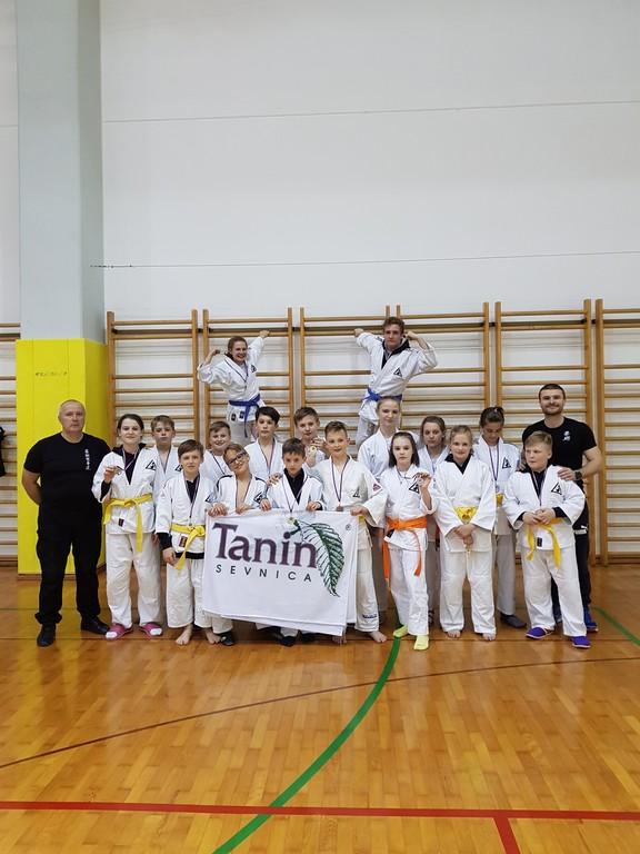 DBV IPPON SEVNICA   s trenerjema; Miranom GRUBNŠKOM in Andrejem CEŠKOM