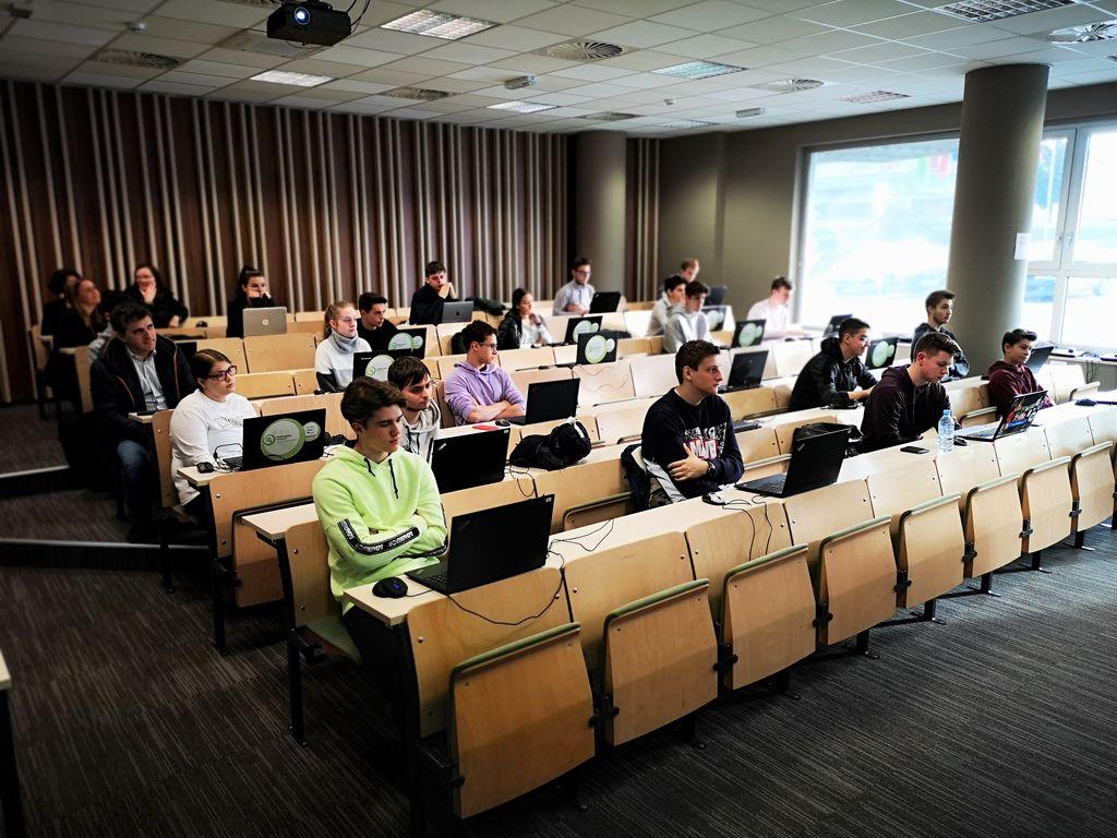 Tekmovanje iz znanja računalništva in spletnih tehnologij na FIŠ