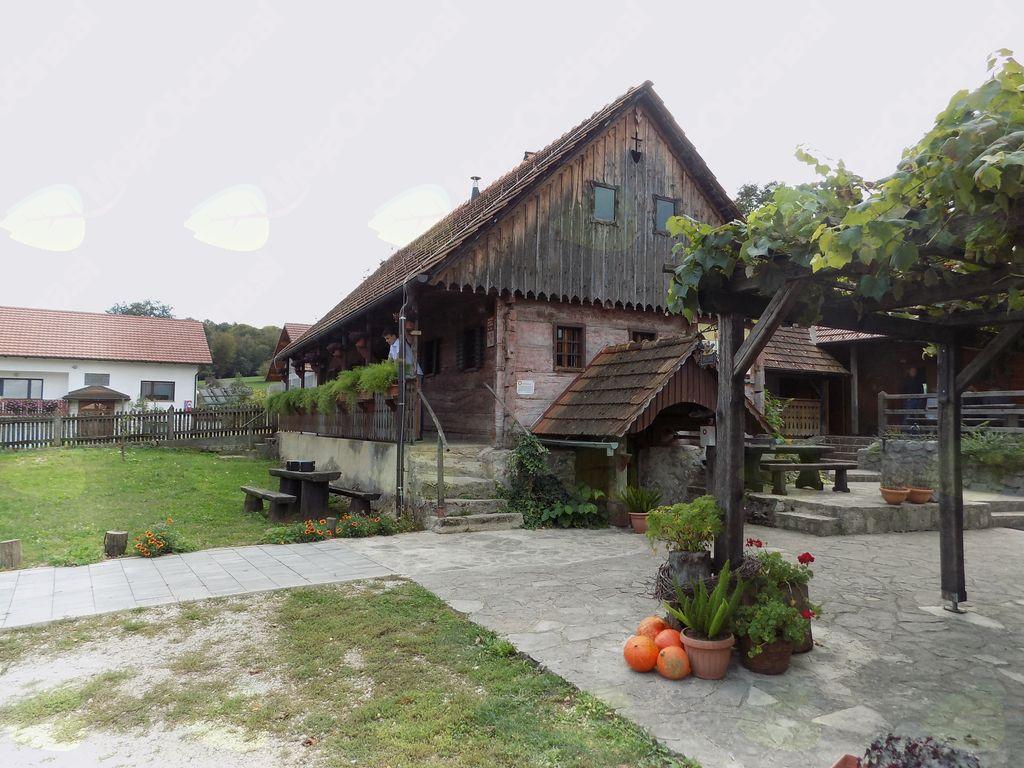 Turistična kmetija Pri Martinovih v Globočicah