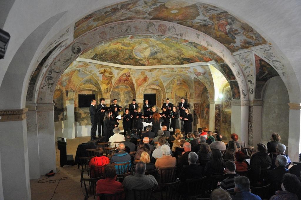 Premierna izvedba Dalmatinovega Pasiona v Lutrovski kleti pod našim gradom