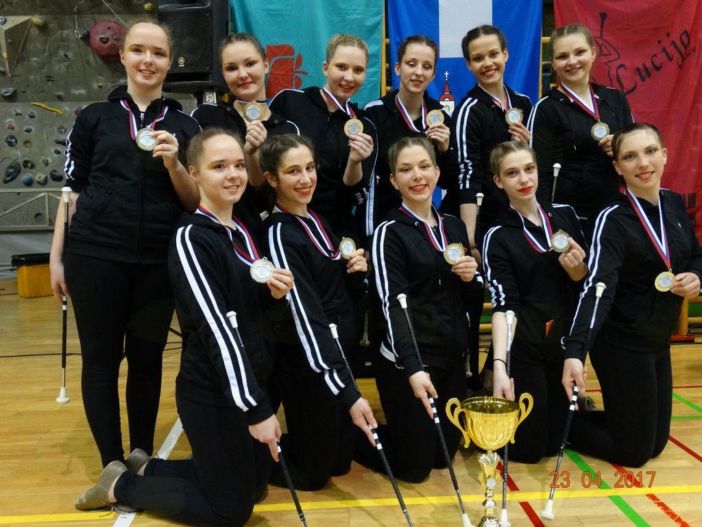 Skupina seniork, ki se je v kategoriji artistic group uvrstila na International Cup, ki bo avgusta v Poreču.