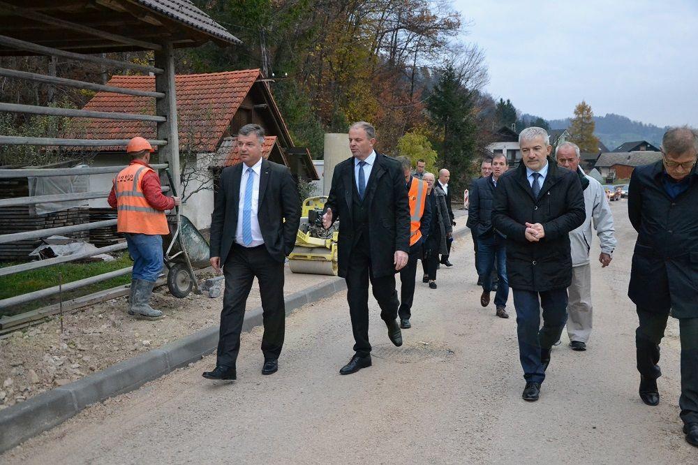 Minister Gašperšič v Srednji vasi