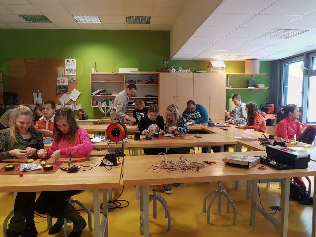FabLab v Polhovem Gradcu: navdušimo otroke za življenje