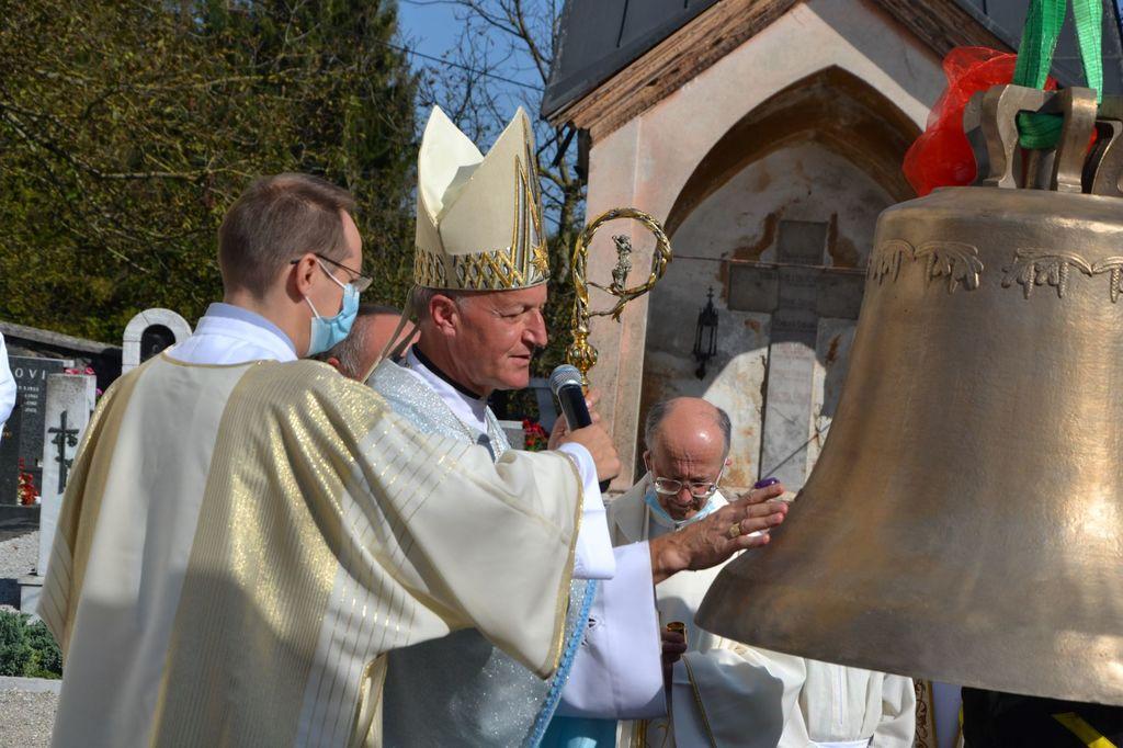 """Škof Jamnik: """"Naj melodija zvonov odmeva v naših srcih"""""""