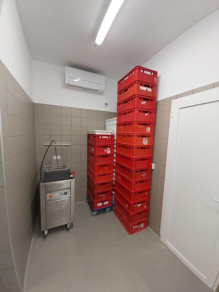 V Drežnici obrat za predelavo mesa in prodajo mesa drobnice