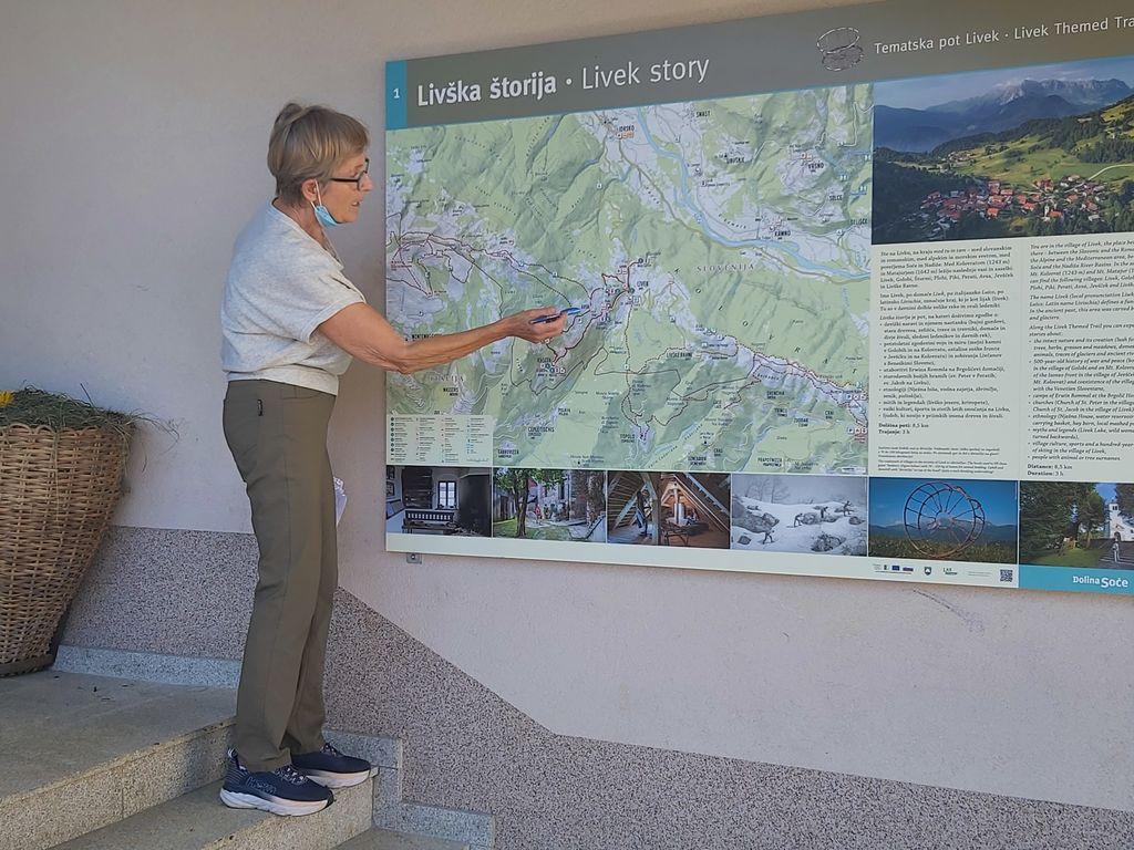 Livško štorijo je zbranim predstavila predsednica Krajevne skupnosti Livek.