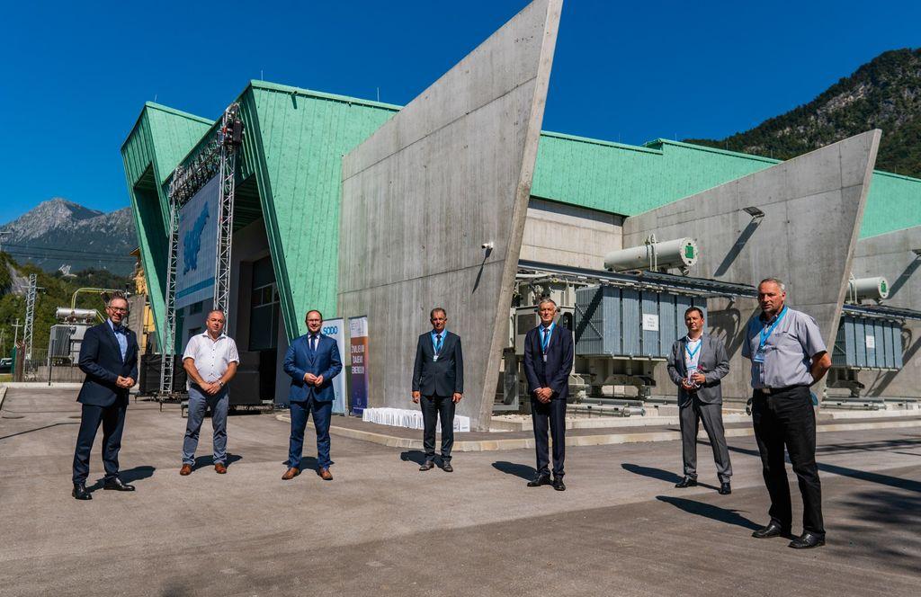 V uporabo predali novo razdelilno transformatorsko postajo