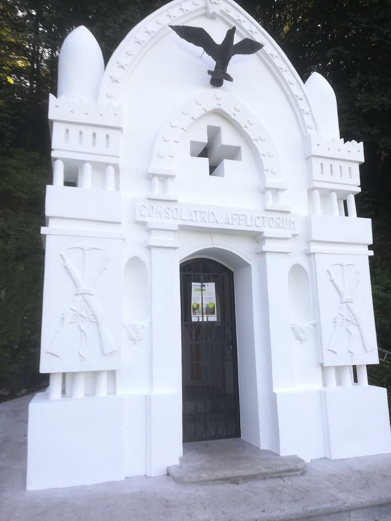Kadorna in kapelica Bes na Planici obnovljeni v sklopu projekta WALKofPEACE