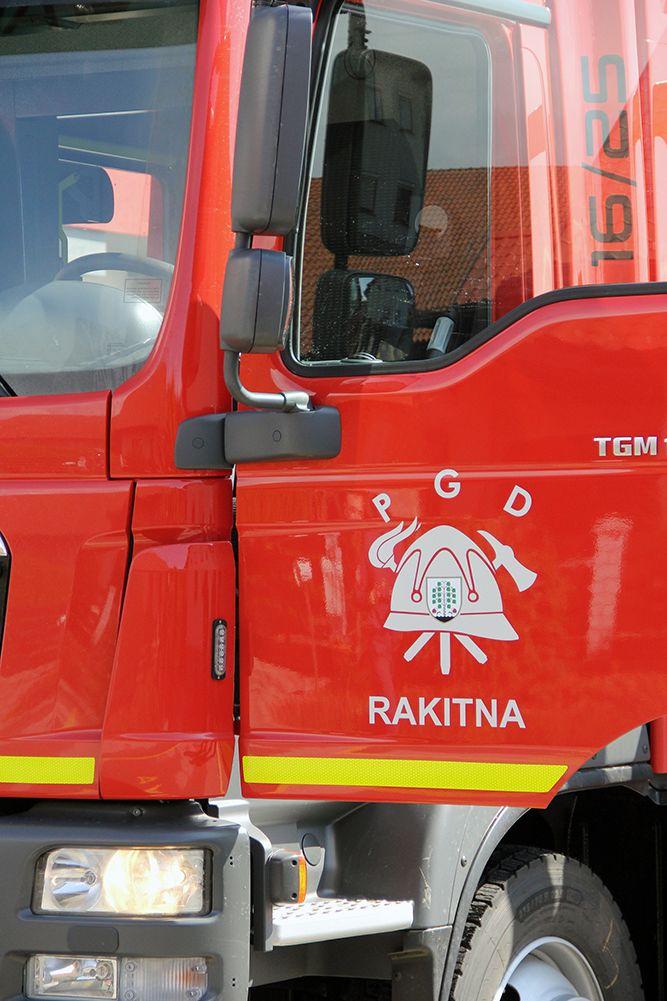 Gasilci iz Rakitne z novim vozilom