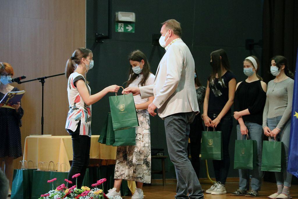Tradicionalni sprejem devetošolcev