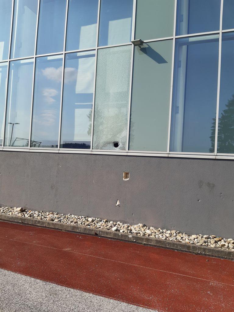 Poškodbe na oknih