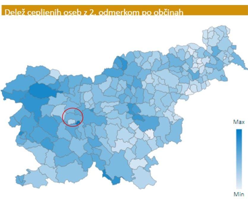 Delež cepljenih oseb z 2. odmerkom po občinah – občina Dobrova - Polhov Gradec je na zemljevidu obkrožena. (vir: NIJZ)
