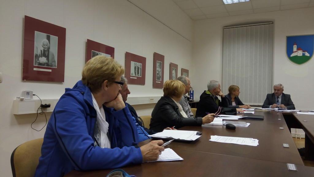 Svetniki in svetnice so se sestali na 9. seji