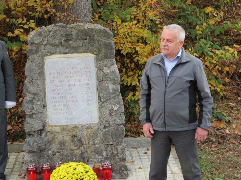 Župan ob dnevu spomina na mrtve položil venec