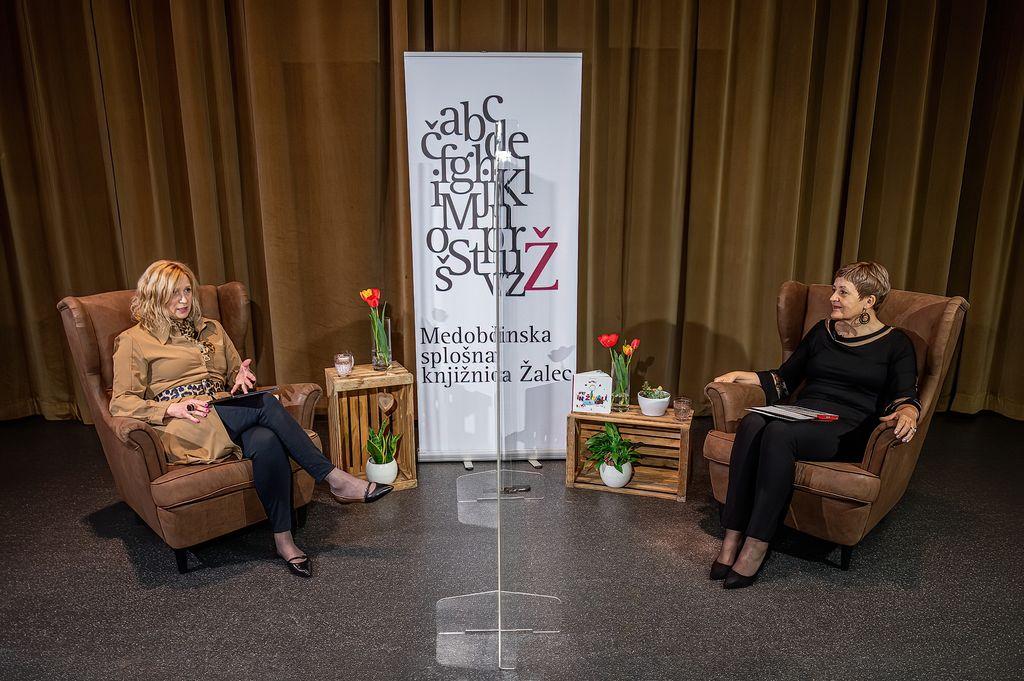 Sabina Korošec Zavšek (levo) o avtizmu z Jolando Železnik