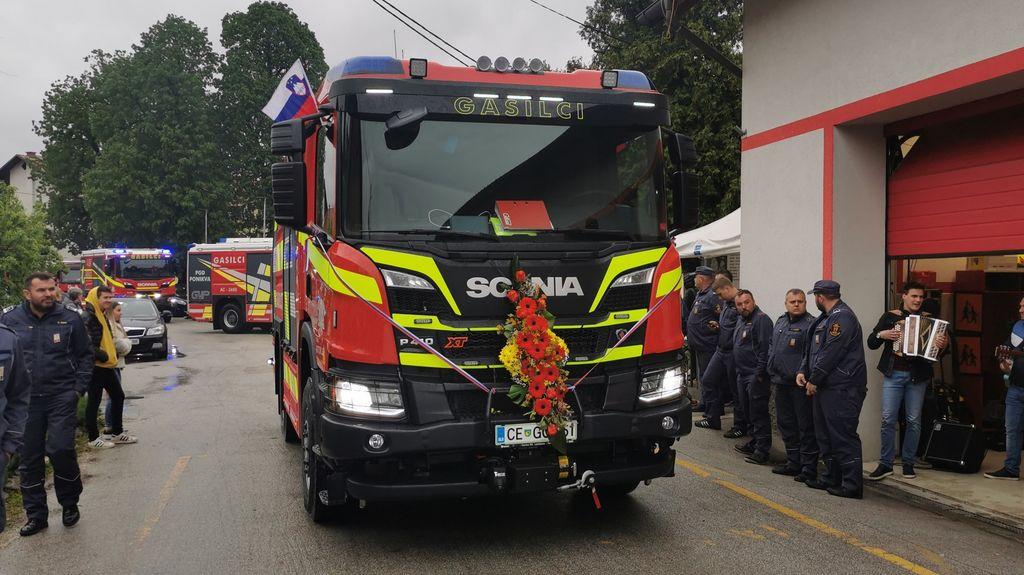 Video novica: Gotoveljski gasilci sedaj z novo avtocisterno