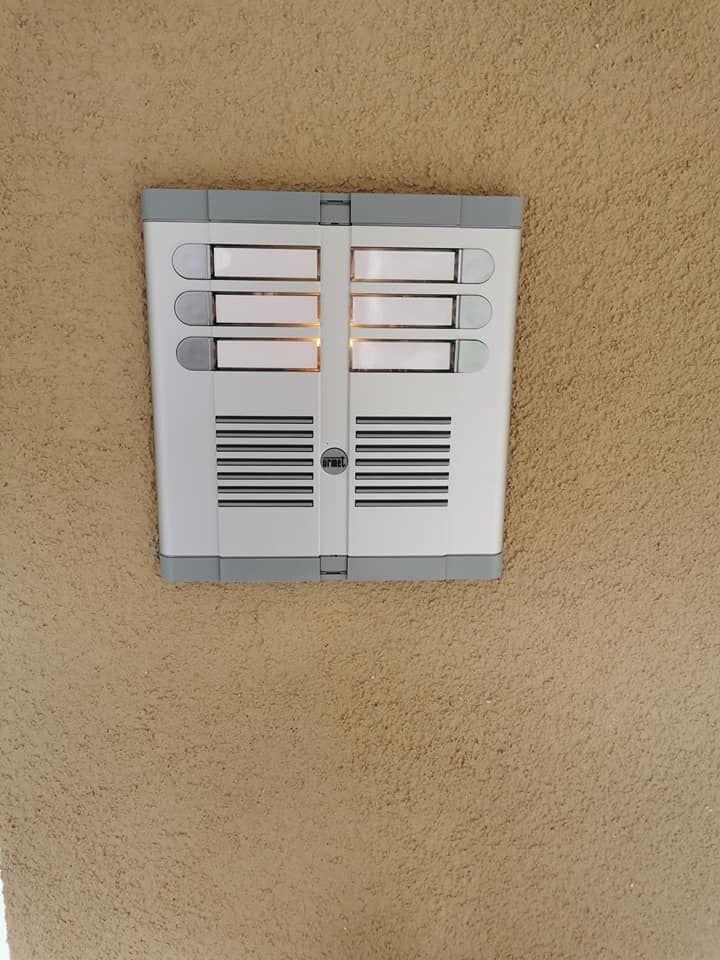 Montaža domofonov v blokih