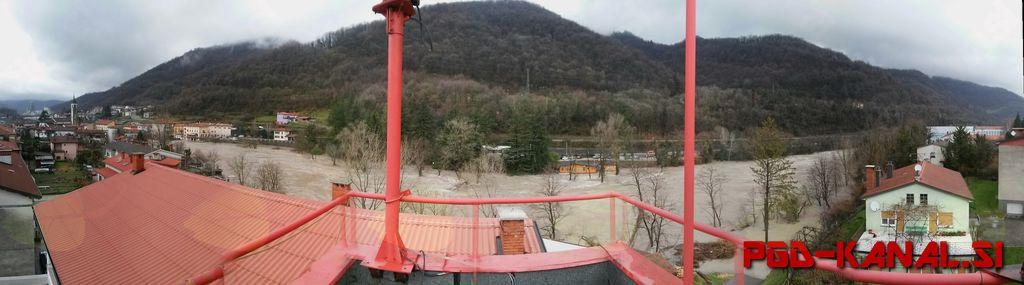 Panoramski pogled na naraslo Sočo. Arhiv: PGD Kanal