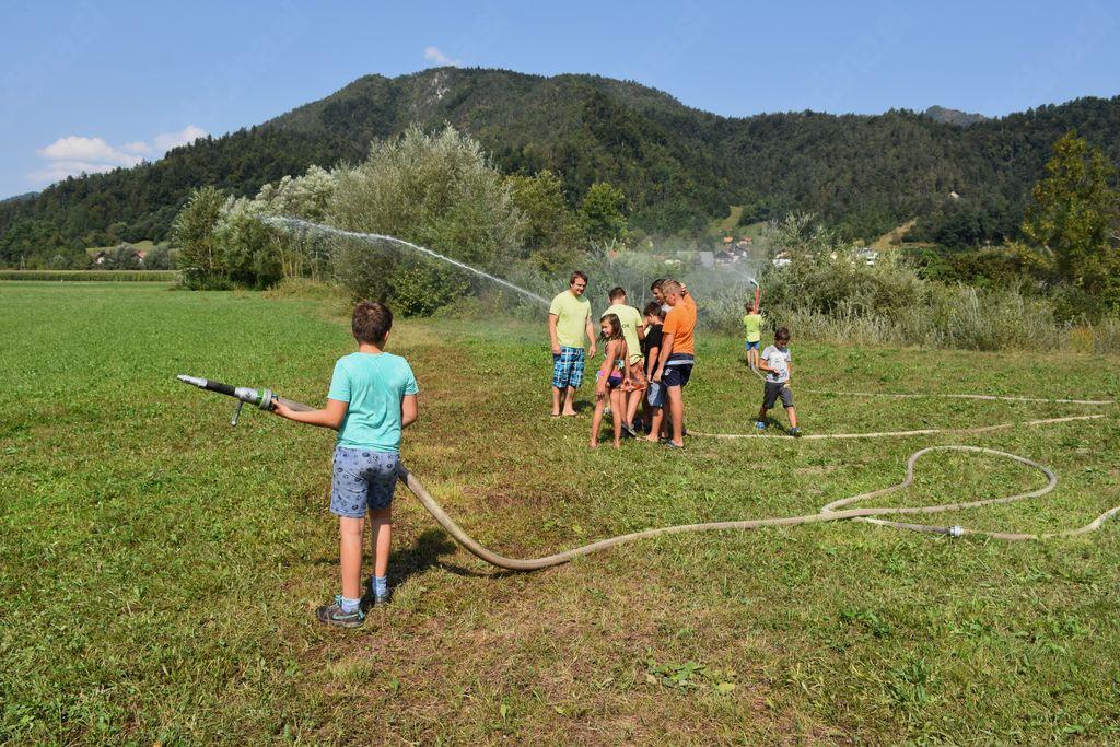 Napadi s pomočjo črpanja vode iz Gradaščice [foto: Klemen Zibelnik]