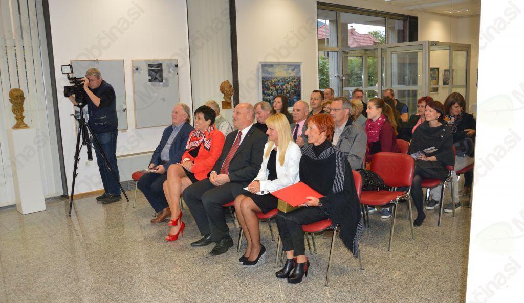 Obiskovalci so z veseljem prisluhnili milozvočnosti slovenskega in češkega jezika hkrati.
