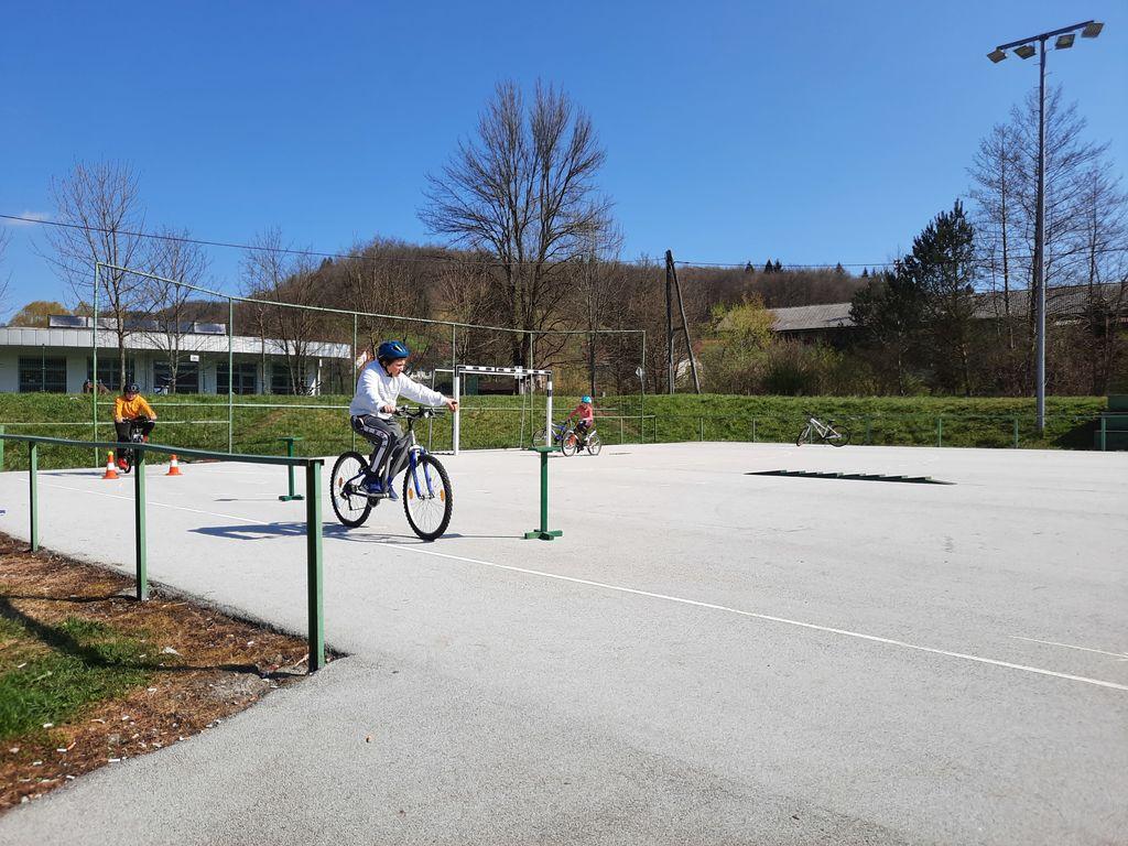 Pogumni kolesarji