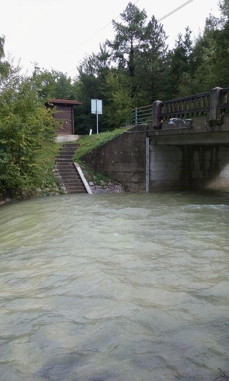 Spremljanje vodostaja reke Iške