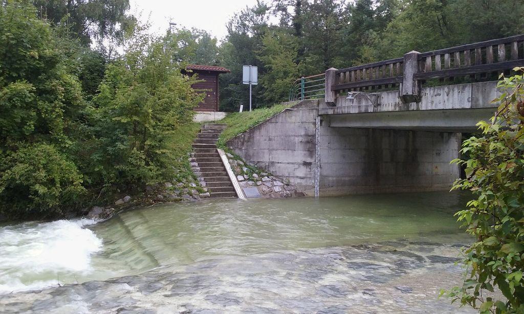 Vodostaj reke Iške pada
