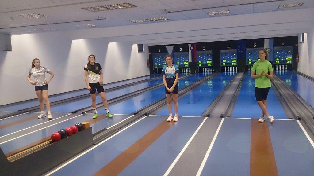 Na desni zadnja Rina Peričevič, KK Slovenj Gradec, 7. mesto
