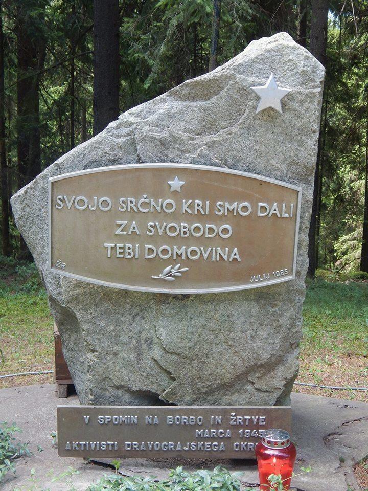 Spominska slovesnost na Trotovem vrhu na Strojni