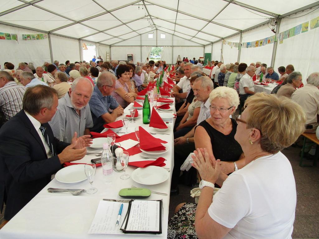 19. občinski praznik - Srečanje starejših občanov v vaškem jedru