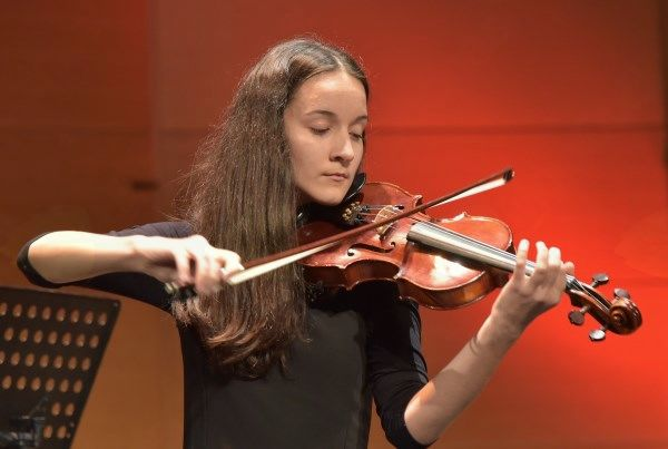 Ana Močnik, violina