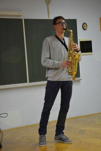 Nik Podpadec, saksofon