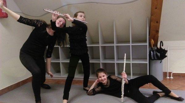 Trio Anima na 47. tekmovanju mladih glasbenikov Republike Slovenije (Zala Plazar in Ivana Sešlar, flavta ter Neža Ganc, klavir)