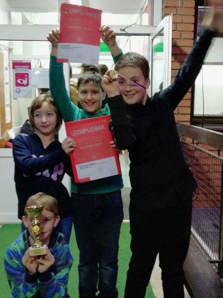 Veselje ob Črtovem uspehu na tekmovanju v Beogradu