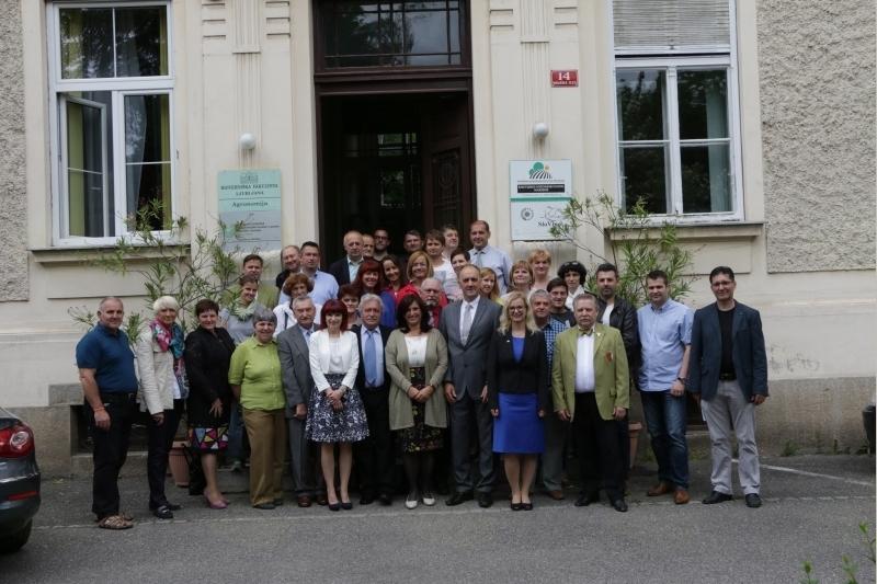 Udeleženci ocenjevanja vin