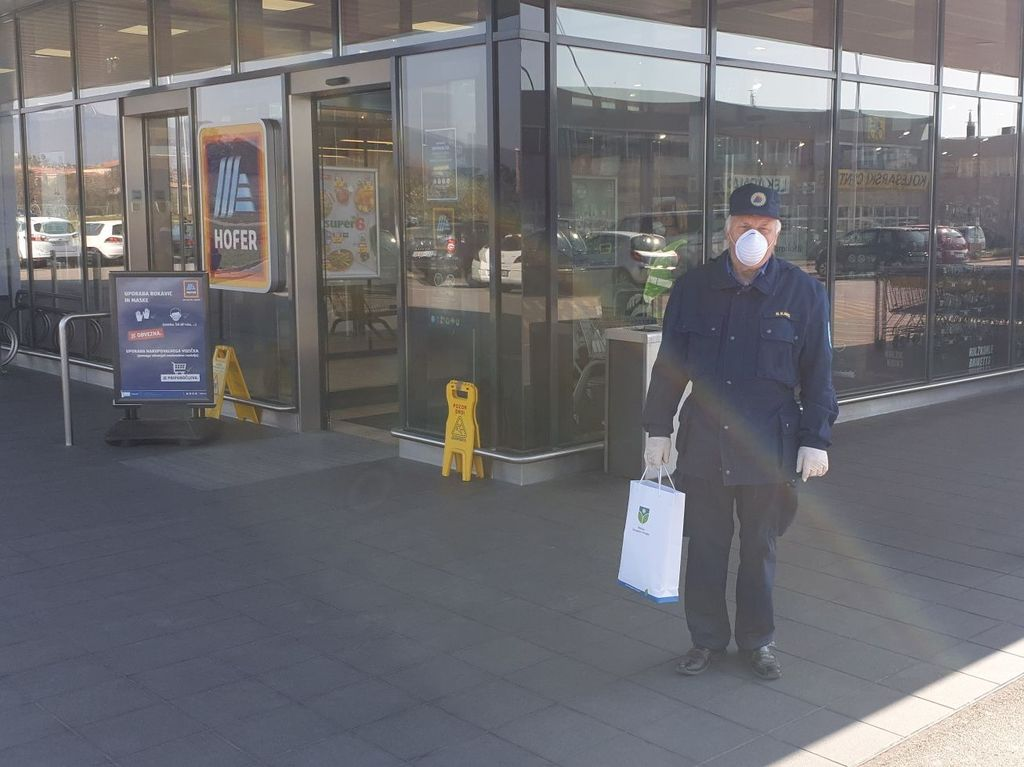 Civilna zaščita Občine Šempeter-Vrtojba zagotovila zaščitne maske, ta teden bodo na voljo tudi maske iz blaga
