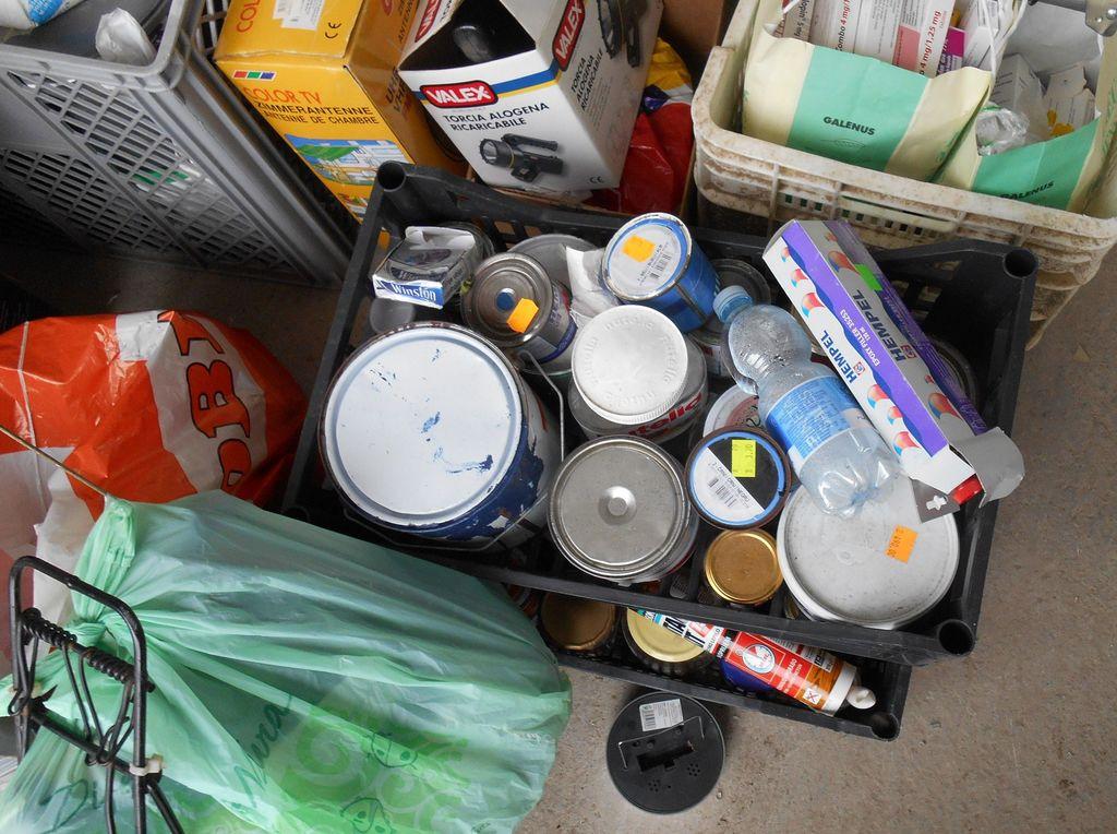 Akcija zbiranja in odstranjevanja nevarnih in kosovnih odpadkov iz gospodinjstev
