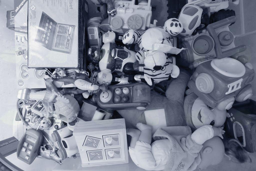 Menjava igrač in otroških knjig