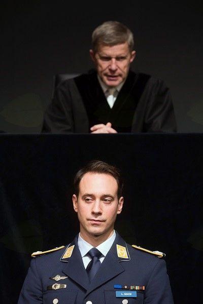 Sodišče je pripravljeno, na vrsti je porota!