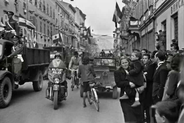 Začasna meja. Življenje in hrepenenje v coni A (1945-1947)