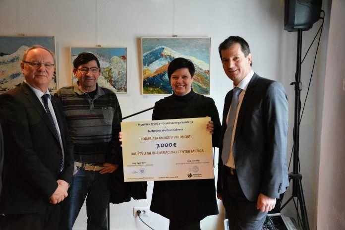 Medgeneracijski center Mežica bogatejši za knjižni paket v vrednosti 7000 evrov
